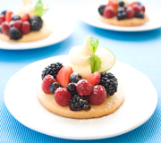 Jacqui_Blanchard_Photography_Shortbread with Berries_Thumbnail
